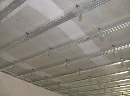 Ровный потолок из гипсокартона своими руками видео